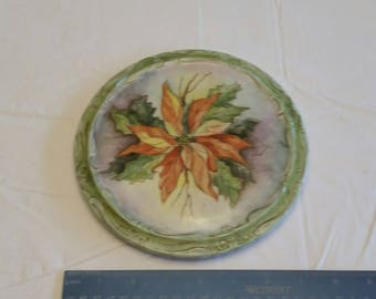 "vintage 7 3/4"" poinsttia trivet hot pad - porcelain ceramic floral flowers green art christmas picture cookware bakeware holiday ornament"