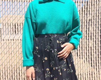 Vintage green collared sweater / sweatshirt / pullover with pocket, size xs - large