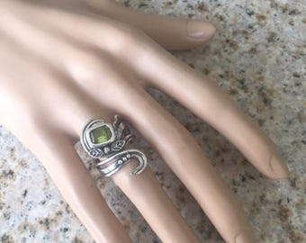 999 Silver and 925 Sterling Silver Swirls Unique Sculpted Leaves Adjustable Ring Size 6-9 with Peridot Green CZ