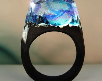 Nothern light - Wood ring. Secret world inside the ring. Wooden rings for women.  Wood resin ring.  Fashion resin jewelry.