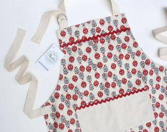 Ladybug Girls Apron, Kids Apron, Child Apron, Craft Apron, Chef Apron, Fun Apron, Childrens Apron, Made in USA, Cute Apron
