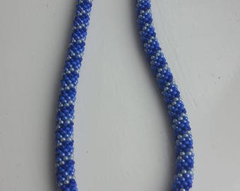 Blue and white beads necklace