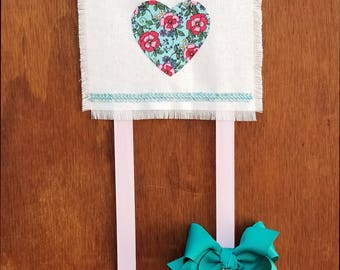Hair Bow Holder - Floral heart - Modern bow holder - Chic bow holder - Boho decor - Trendy baby gift - Boho baby decor - Nursery decor