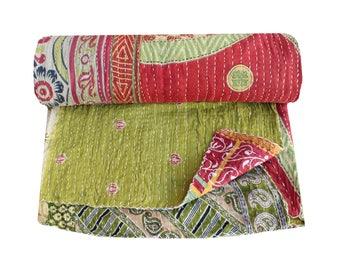 Green Handmade Cotton Kantha Quilt Queen Size Vintage Indian Sari Kantha Blanket Floral Print Kantha Bedspread Kantha Bedding Throw