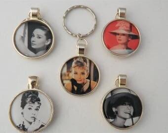 Audrey Hepburn keyring fan gift, personalised initial keyring, classic Hollywood actress keyring, Breakfast at Tiffanys keychain