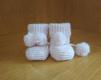 Knitted Baby Booties Newborn Boots Stay on Booties Baby Shoes Baby Boots Baby Shower Gift Ideas Gender Neutral Baby Bootees Baby Shower Idea