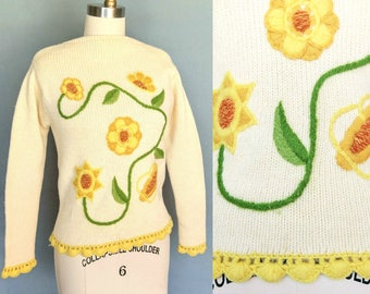sunflower / 1970s floral embroidered sweater in yellow and cream /