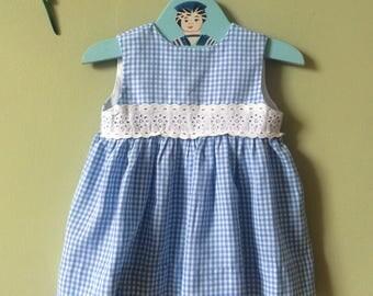 Girls vintage dress / vintage baby  dress / girls dress. Summer dress. Blue & white gingham. 1970s. 18 months - 24 months / Age 2 years