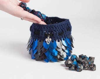 Dice Bag - Blue and Black Dragon Pouch - Scalemail D&D Dragon's Egg -  Crochet Coin Purse