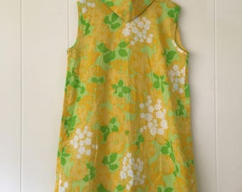 1960's green yellow white floral sleeveless shift dress with rolled collar - size 10