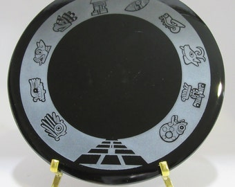 Engraved black obsidian mirror - Days of the Aztec calendar