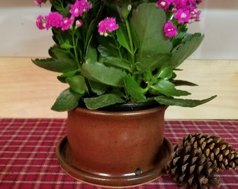 Iron red pottery planter