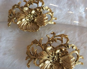 Musi Goldtone Flower Bloom Shoe Clips