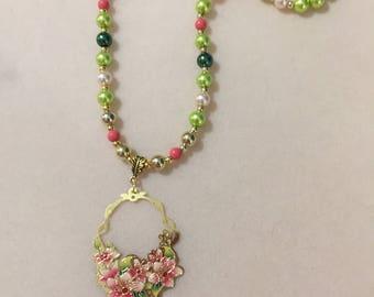 Laser cut pendant necklace