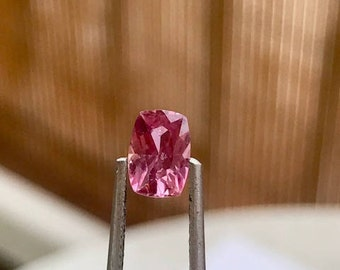 Pink Sapphire - 0.95 ct - natural