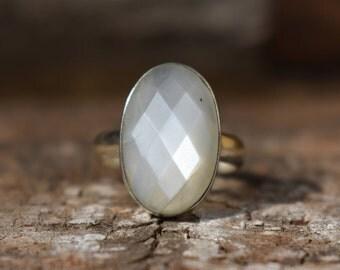 white moonstone ring,faceted moonstone ring,gemstone ring,moonstone ring,natural white moonstone ring