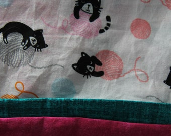 Pillowcase Made of Quality Cotton, with Kittens and Yarn for little girl