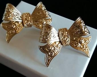 Bow Earrings Goldtone Stamped Metal Bows Vintage Holiday Earrings Stud Back