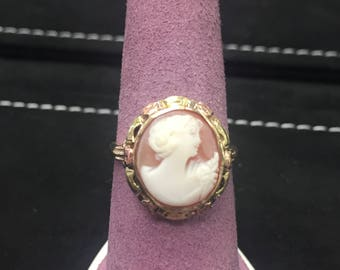 Antique Gold Cameo Ring