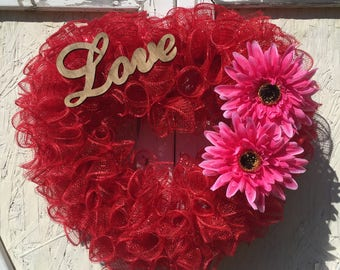 Valentines Day Wreath, Heart Wreath, Deco Mesh Wreath, Front Door Wreath
