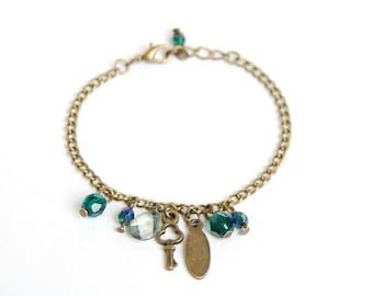 Shaman - Green Charm Bracelet