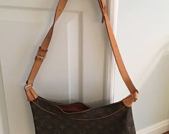 Authentic Louis Vuitton Boulogne 30 Monogram Medium Shoulder Bag