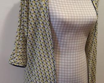 Yellow and blue triangle print kimono