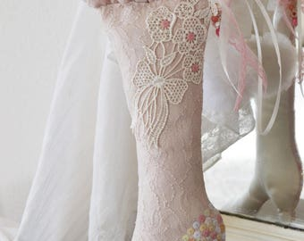 Gorgeous large boot silk and lace