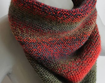 trendy mens khaki and Red snood
