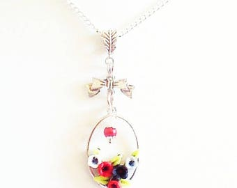 Pendant, small oval Flower necklace