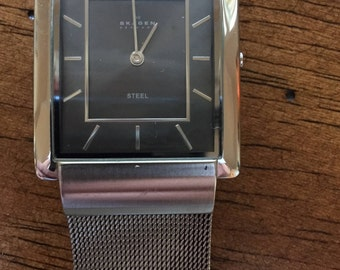 Vintage Skagen denmark mens 224lssm grey/steel ultra slim w/r 3atm japan quartz watch