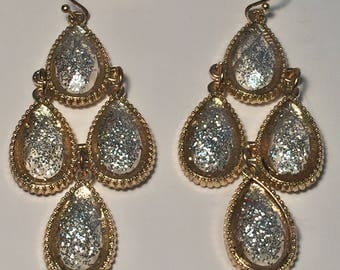 Sparkling Tear Drop Dangling Earrings