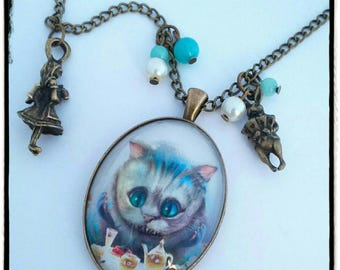 "Necklace / necklace bronze ""The cat in Alice in Wonderland country""."