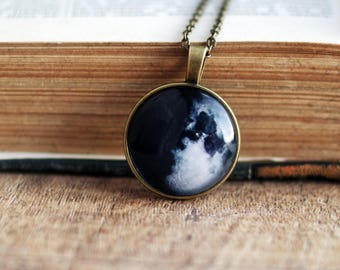 Custom  MOON PHASE NECKLACE - Personalized Full Moon Pendant -Galaxy necklace- Birth moon Necklace -Space Jewelry-Solar system jewelry