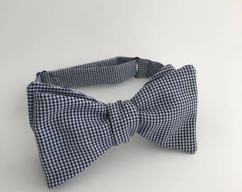 Self Tie Bow Tie- Navy & White