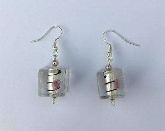 Cube patterned earrings