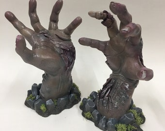 Zombie Hands (Pair, Decayed Brown/Plum)