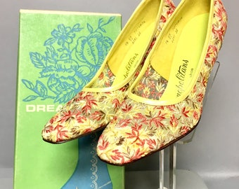 """DEADSTOCK Floral Embroidered LACE Heels, 70's Vintage """"Cosmopolitan"""" High Heel Shoes, size 9.5"""