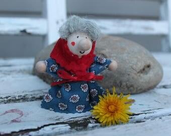 Kitchen Witch / Strega Vier - Kitchen Witch doll