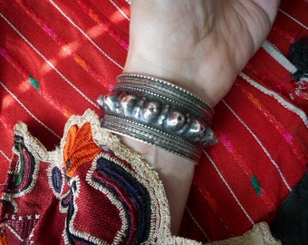 old vintage OMANI silver tribal CUFF with raised breast/cone/spike motif
