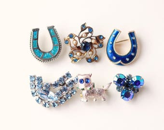 Bridal bouquet brooch, Something blue pin, Good luck charm, Bride blue charm, Vintage brooch, Blue horseshoe, Bouquet charm, Blue cat pin