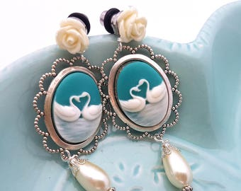 2g 6mm Swan Cameo Dangle Plugs for Stretched Ears-Piercing-Surgical Steel-Festival Fashion-Wedding Plugs-Fancy Fashion Girly Plugs