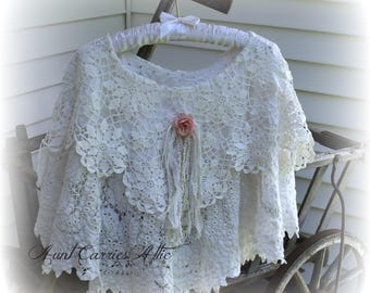 Bridal Shawl, White Caplet, Wedding Shawl, Lace and Crochet Pocho, Wedding Poncho, Boho Chic Clothing, Evening Shawl, Victorian Inspired