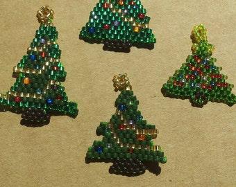 Christmas tree seed bead pendant, beaded pendant, beadwork pendant, brick stitch 15/0 seed beads