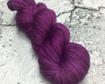 Hand-dyed 80/20 Merino Sock Yarn - MAUVEINE - 400yds 100g
