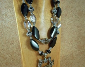 Western Cowgirl Necklace Set - Chunky Black Agate with Magnetic Crystal Horseshoe Pendant