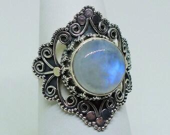 Genuine Moonstone and Sterling Silver Ring Size 8 // Rainbow Bohemian Boho Boheme Witch Hippie Gypsy Moonchild Healing Gemstone Nugoth Bride