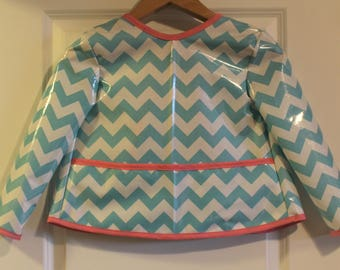 LAST ONE Girls Long Sleeved Art Smock Painting Smock in Blue and White Chevrons