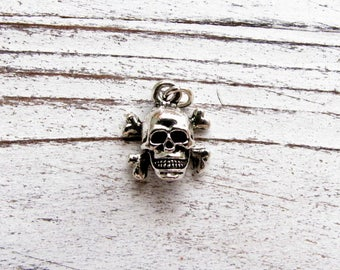 3-D, Silver Tone, Skull and Cross Bones charm, Qty.1