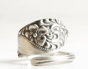 Tiny Flower Ring, Floral Rococo Swirl Ring, Spoon Ring Sterling Silver, Antique Hamilton & Davis Spoon ca 1890, Ring Size 2 3 4 5 6 7 (6789)